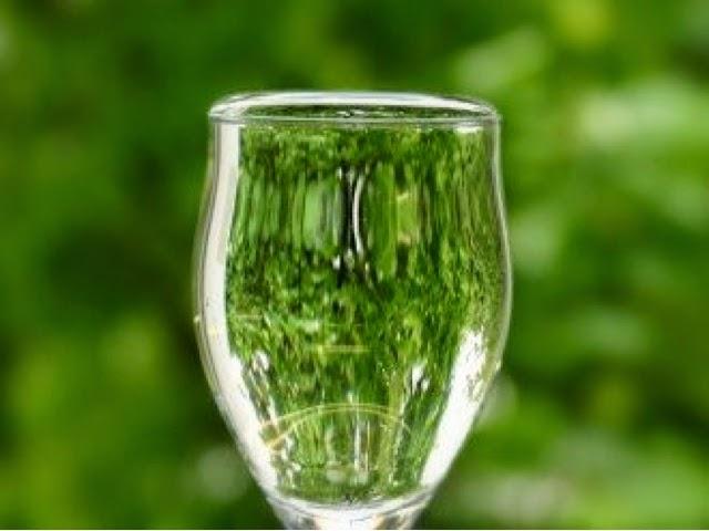 コップから水を溢れさせるには、コップを小さくすればいい